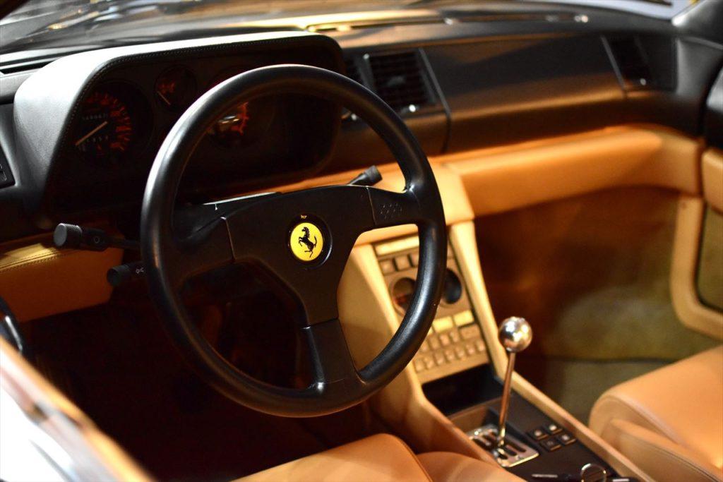 Ferrari 348 タンの風合いが抜群です