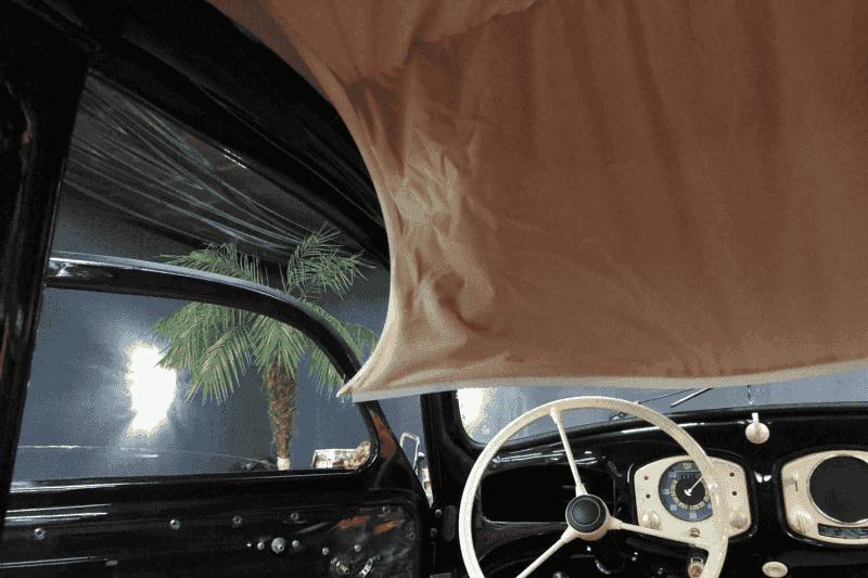 1949年式 VW type-1 ビートル 天井張り替え途中